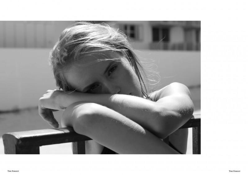 The_Forest_Michael-Duerr-Anna-Zotova-spread-4_preview